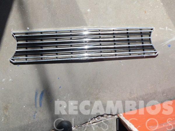 8500418PN REJILLA SEAT 124 PLA NEGR CROM
