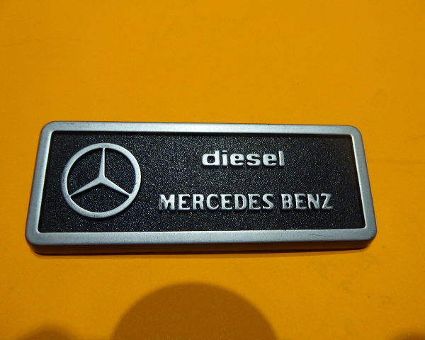 8506882 anagrama mercedes SEAT132